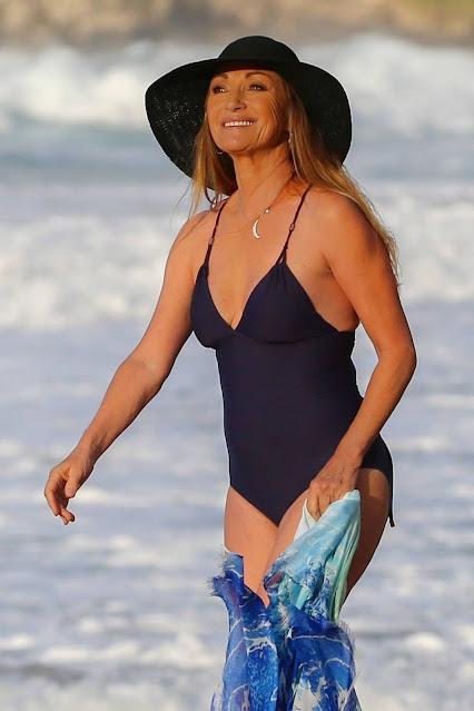 Jane Seymour – in a swimsuit during a sunshine break in Hawaii