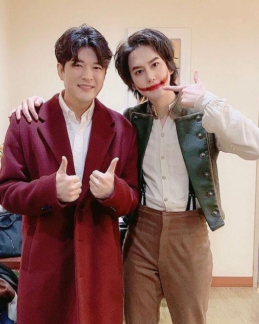 Shindong, Kyuhyun ile fotoğrafında zayıflığıyla şaşırttı