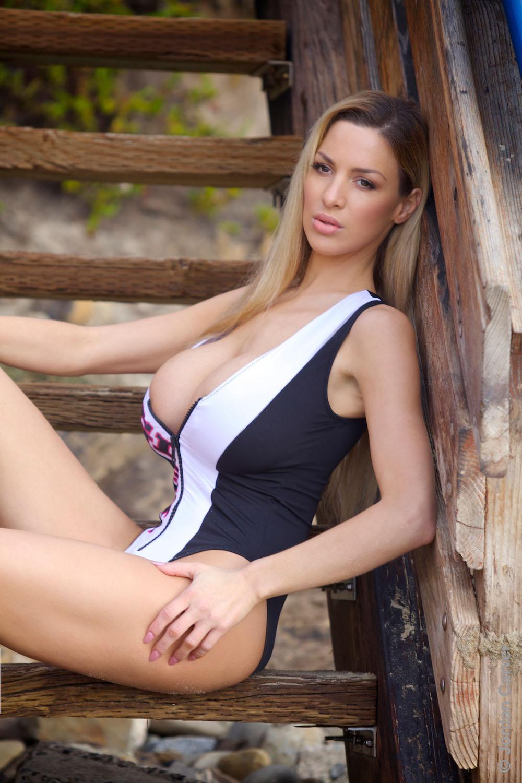 jordan carver sexy bikini pics 04