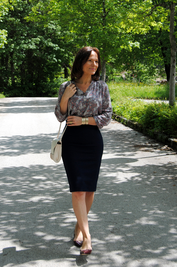The Most Comfortable Pencil Skirt Lady Of Style