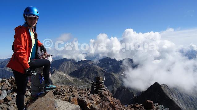 Rutas por Pirineos. Ruta al techo de los Pirineos franceses. Pico Vignemale,