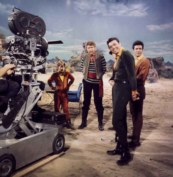 Guy WIlliams, Marc Goddard, Albert Salmi, and Bill Mumy on the set of Lost in Space randommusings.filminspector.com