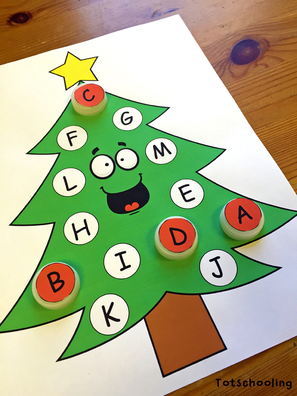 Free Hands-on Christmas Tree Learning activities for Toddlers and Preschoolers to practice math, literacy and visual skills.