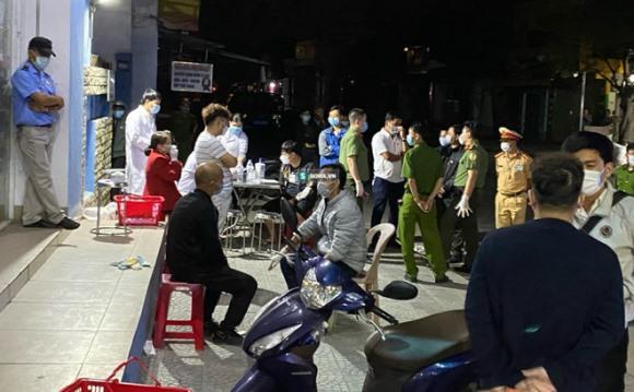 Xe khách bí ẩn chở 4 khách Trung Quốc đến Thừa Thiên Huế