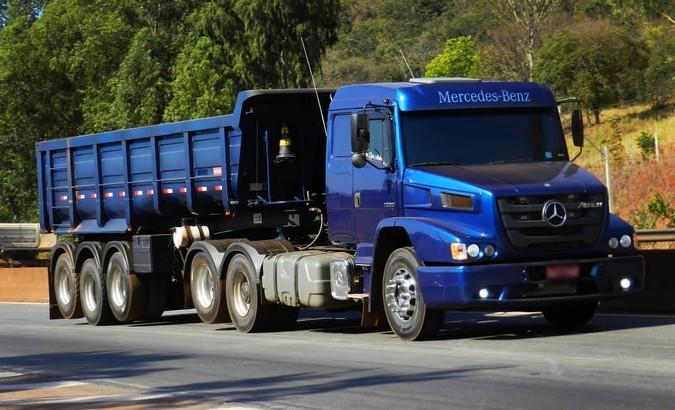 Caminhões basculante em circulação devem se adequar as novas regras do CONTRAN até 2024