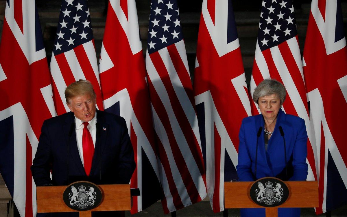 Trump reiteró sus advertencias hacia México durante su encuentro con la primer ministro británica Teresa May / TWITTER