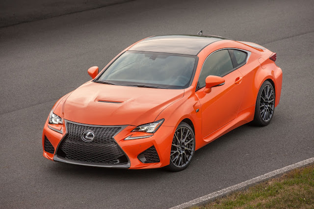 Front 3/4 view of 2016 Lexus RC-F