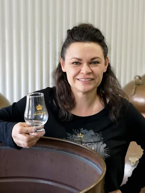 helene-dumont,distillerie,fils-du-roy,saint-arsène,distillatrice-quebec,gin-quebecois