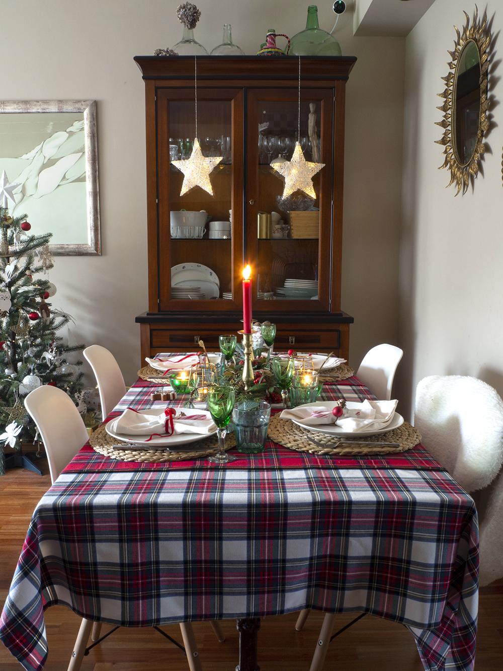 Nuestra mesa navideña en cuadros escoceses19