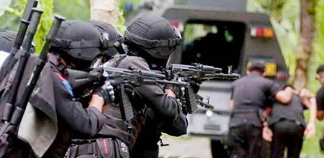 Pegawai BUMN Jadi Terduga Teroris, Densus 88 Amankan Busur dan Senapan di Kantornya