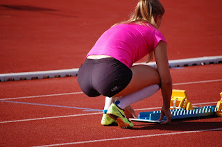 Hermosa chica deportista shorts licra tanga marcada vpl