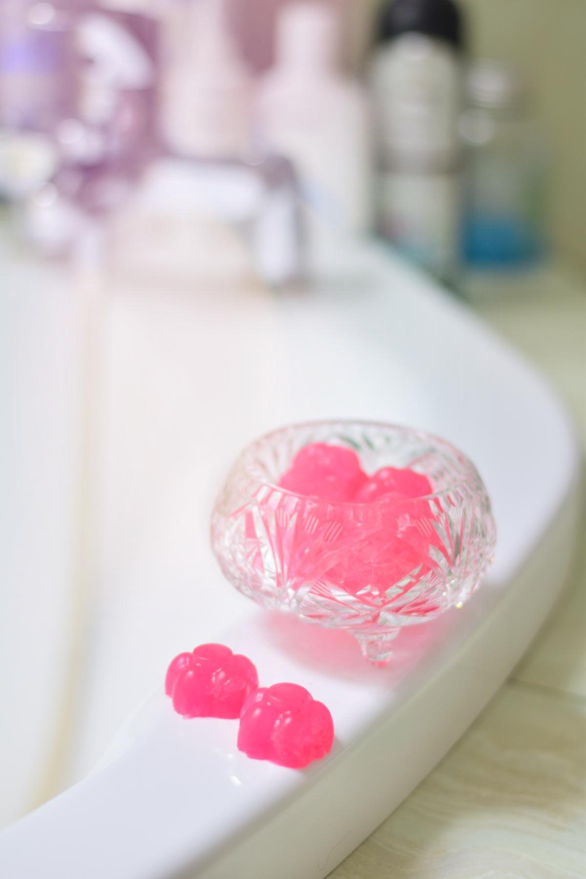 DIY: Żelki do mycia ciała | Pomysł na kosmetyczną zabawę (z dziećmi)