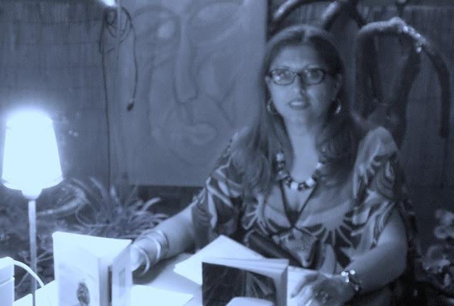 entrevista-medios-mujer-escritora-libro-novela-periodismo