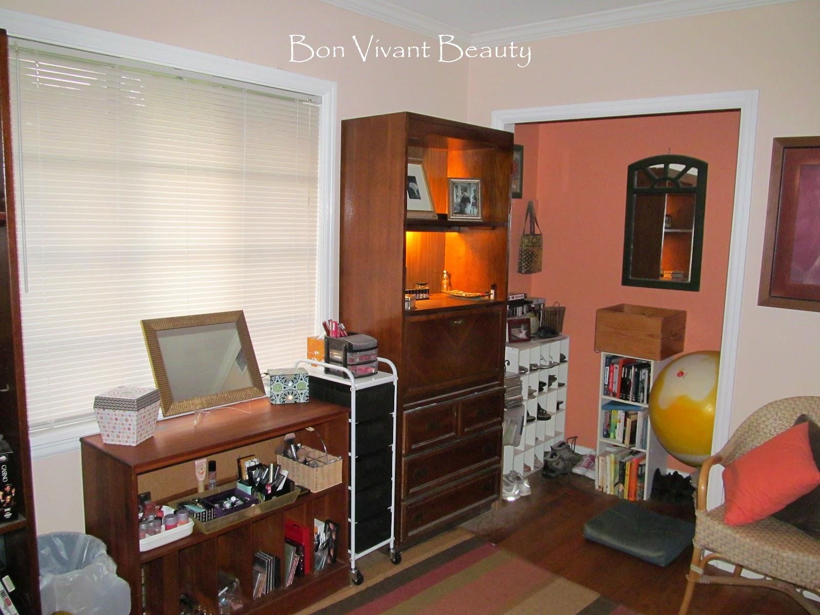 Bon Vivant Beauty: Makeup Organization Overhaul, Or How I ... on Makeup Room Ideas  id=32646