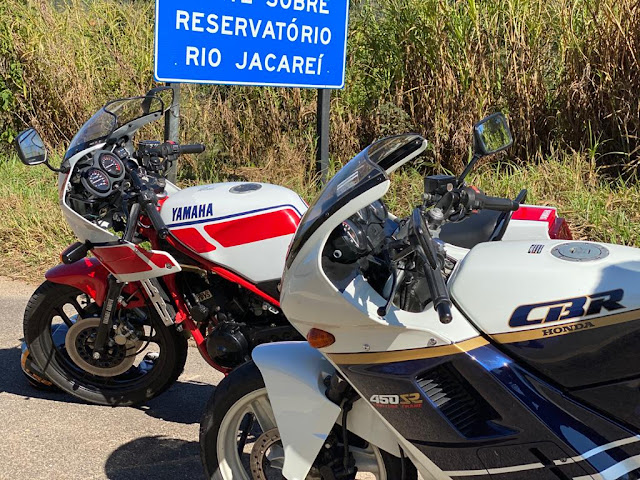 3ce62410 5f63 4b7d a81e e51a6241bfb8 - Yamaha RD 350 LC x Honda CR 450 SR, o eterno desafio