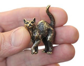 купить бронзовые статуэтки маленькие фигурки котов кошек из бронзы латуни