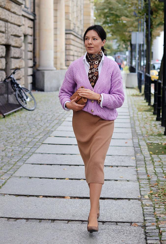 liliowy sweter stylizacje