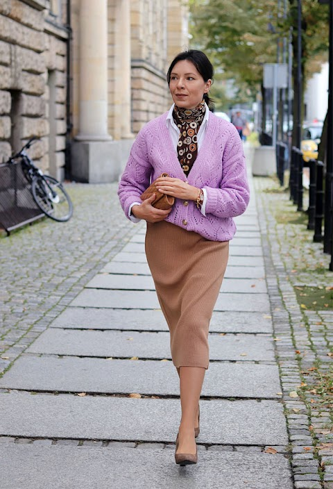 Liliowy sweter