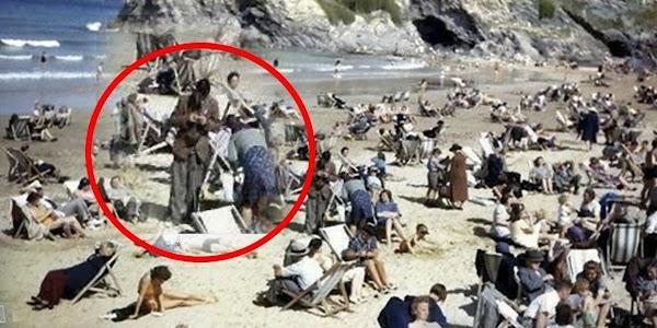 Un 'viajero del tiempo' con un celular aparece en una imagen de 1940