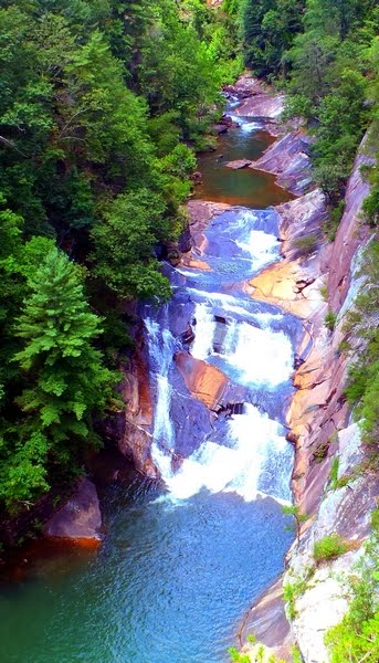 tallulah gorge falls in chatahoochee forest georgia Phtoto copyright by DearMissMermaid.Com