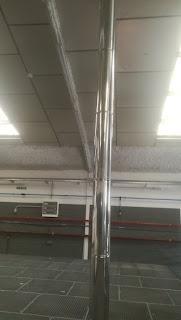 foto de tubos para renovación de aire en nave madrid