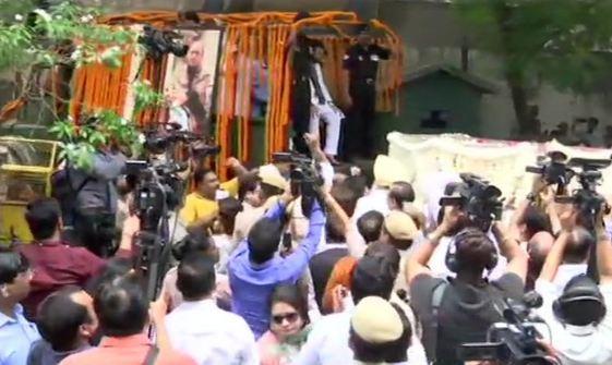 अरुण जेटली का पार्थिव शरीर कुछ ही देर में होगा पंचतत्व में विलीन - newsonfloor.com