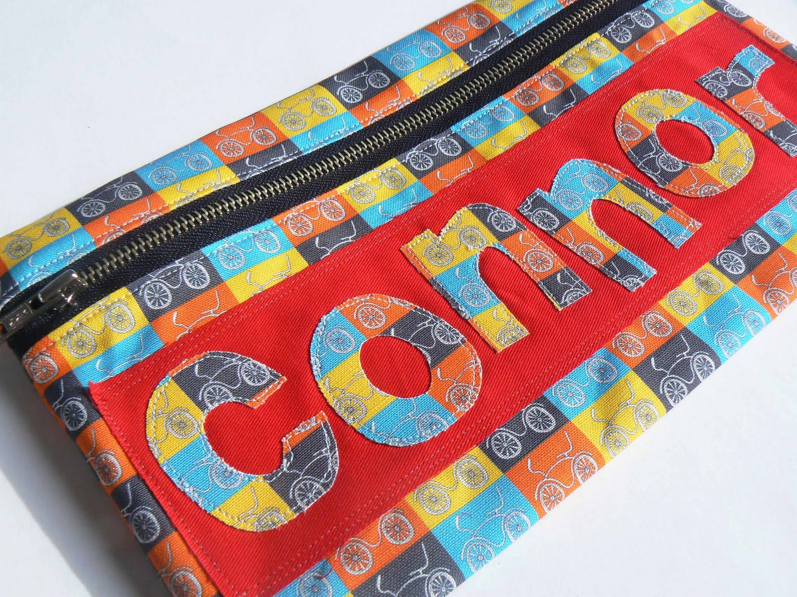 CurlyPops: Tutorial - An easy way to create fabric letters