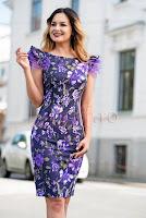 rochie-eleganta-midi-mov-cu-imprimeu-floral-si-pene