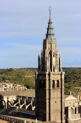 Montera del Alcuzón en la torre campanario de la catedral de Toledo