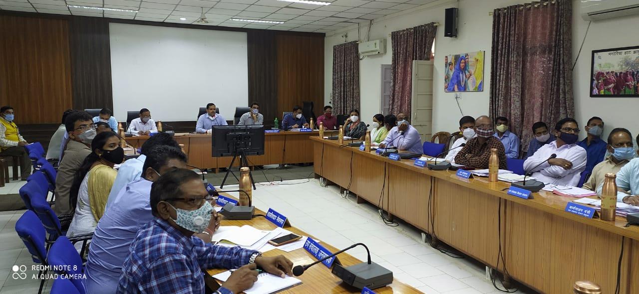 Jhabua News- शासकीय उचित मूल्य दुकानों का कार्य संतोष जनक नहीं होने पर स्वसहायता समूह को दूकानें आवंटित करने के निर्देश