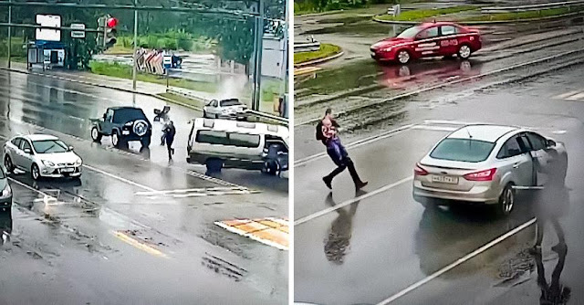 В Хабаровске полицейский спас из-под колес автомобиля трехлетнего малыша