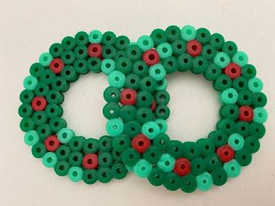 Hama bead mini Christmas wreath design