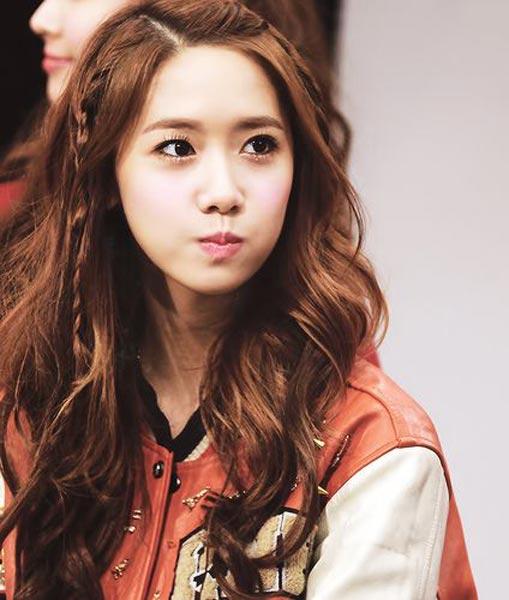 Superb Yoona Hairstyles And Hair Colors Korean Hairstyle Trends Short Hairstyles Gunalazisus