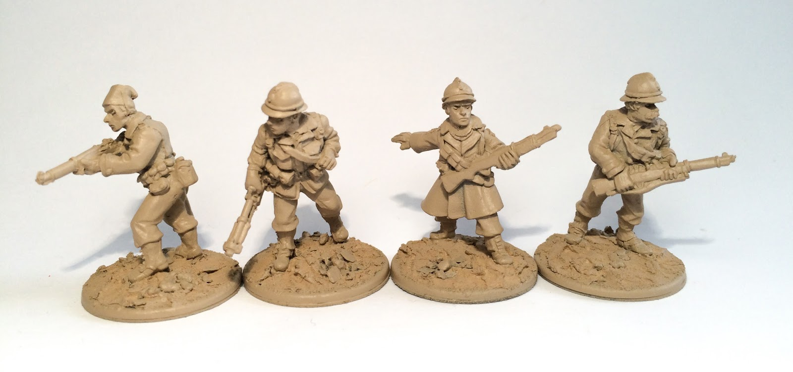 Painting miniatures color master primer - Spray Your Miniatures With A Coloured Primer Spray I Chose A Spray Colour That Will Be The Main Khaki Uniform This Saves Time As You Prime The