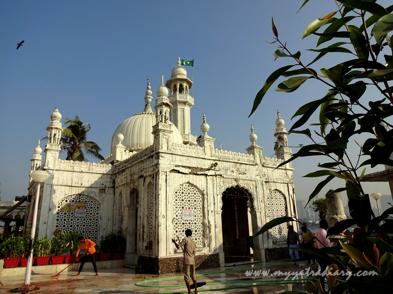 White marble mosque of Haji Ali in Mumbai