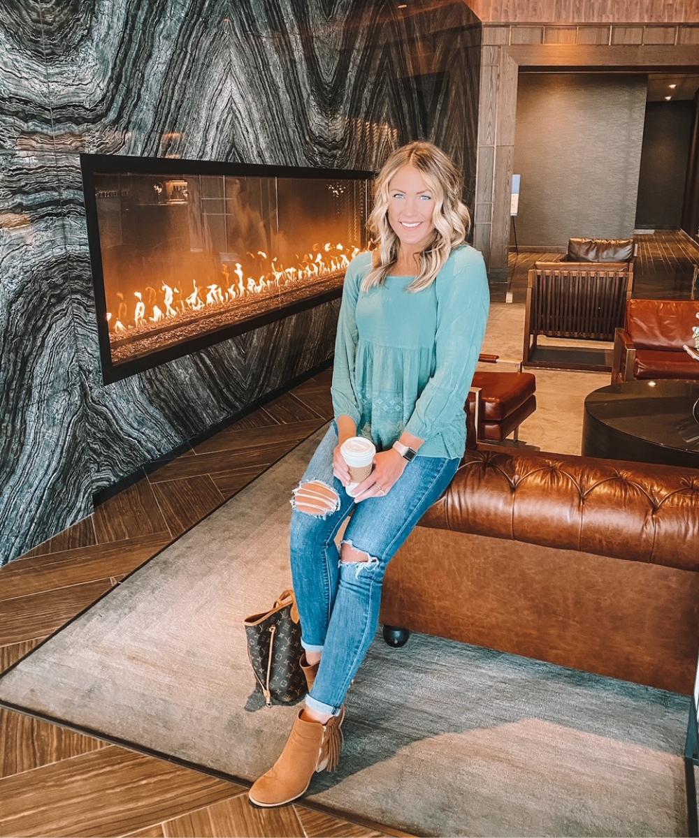 Amanda Martin of @amandasOK relaxes in the lobby of the Omni Oklahoma City