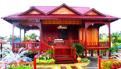 Rumah adat Sumatra Selatan bernama Rumah Limas. Merupakan rumah panggung berjenjang lima dengan bermakna Lima Emas. yaitu keagungan, rukun dan damai, sopan santun, aman dan subur, serta makmur dan sejahtera.