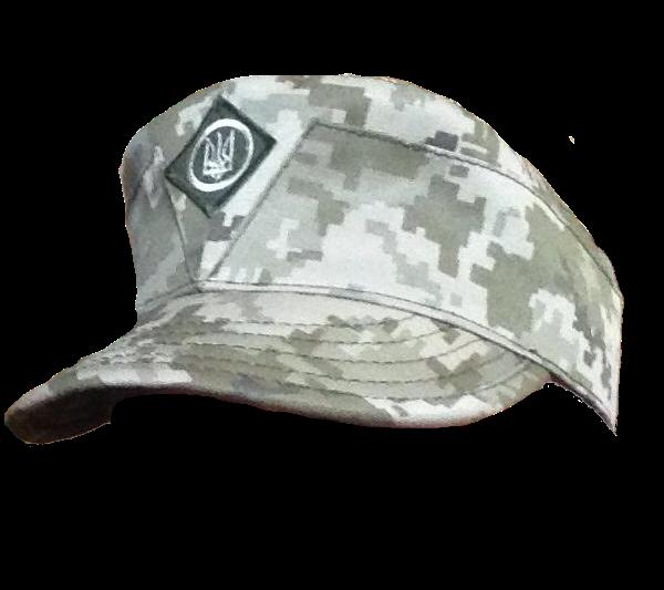 польова кепка в стандартному камуфляжі