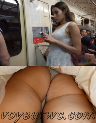 Upskirts 4208-4217 (Secretly taking an upskirt video of beautiful women on escalator)