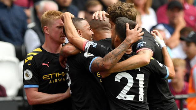 Manchester City Team Celebrates