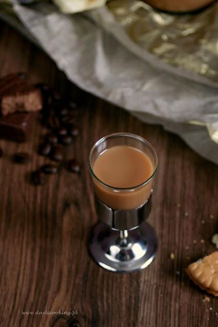 przepis na domowy likier kajmakowy, jak zrobić likier z kajmaku