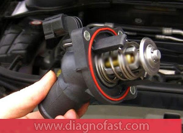 أعراض عطل منظم حرارة محرك السيارة (الترموستات)