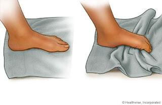 Ayak-parmaklarıyla-havlu-çekme