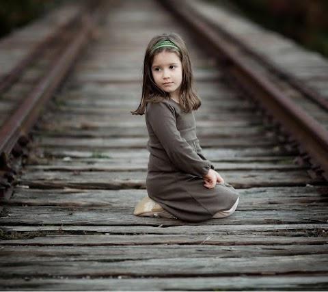 Baby Cute Đáng Yêu Ngoài Trời