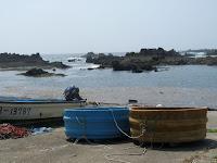 宿根木海岸のたらい舟