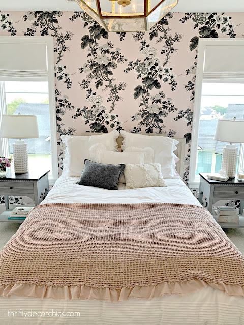 pink white black floral wall paper