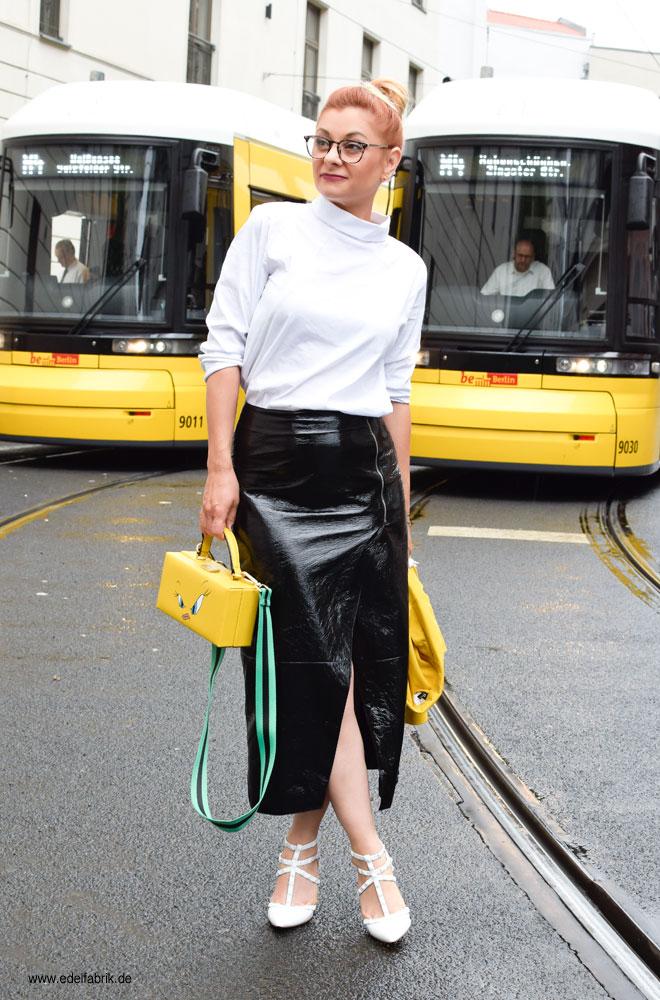 weiße Slingback Pumps mit Nieten, Studded Heels in weiß