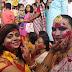 বর্ধমানে দশমীর দিন দেবী দূর্গাকে সিঁদুর মাখিয়ে নজীর গড়ল বিধবা থেকে রূপান্তরকামীরা