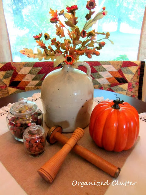 Fall Dining Table Centerpiece www.organizedclutterqueen.blogspot.com