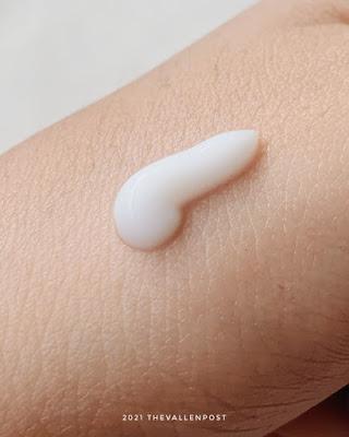 Azarine Hydrasoothe Sunscreen Gel texture